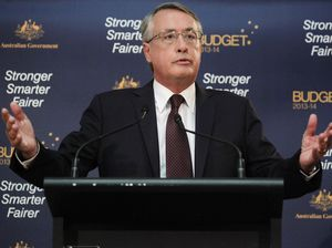 Federal election forecast shows big swing away from Labor