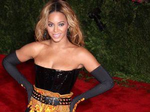 Beyonce gets her butt slapped by fan