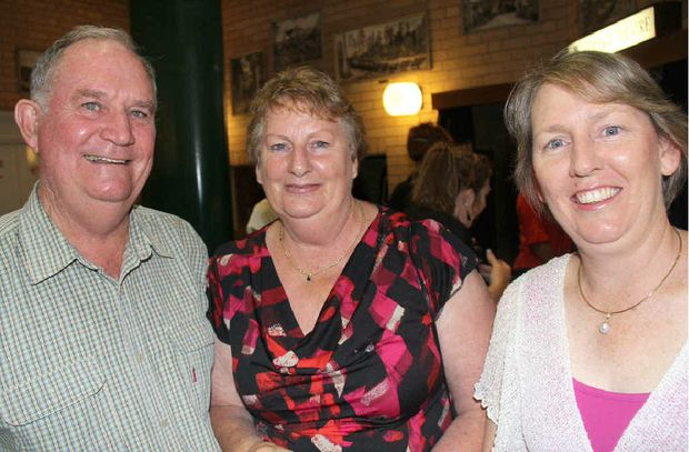 Mike Ostwald caught up with Ann and Paulene Rogers.