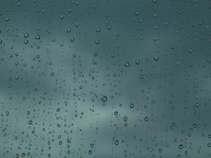 Rain comes bucketing down on Sunshine Coast