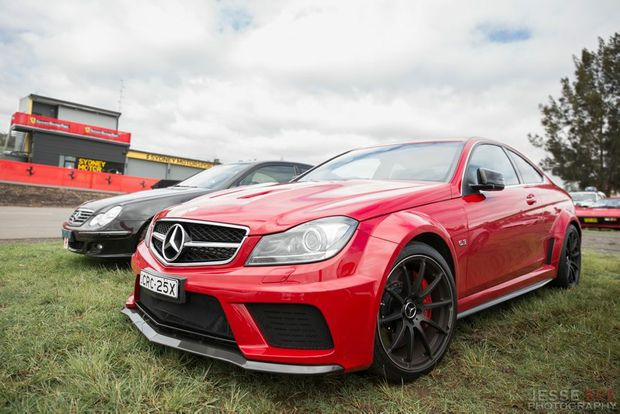 the mean and lean 2013 mercedes benz c63 amg black series. Black Bedroom Furniture Sets. Home Design Ideas