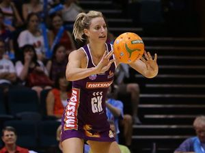 Laura Geitz visits Mackay for netball clinic