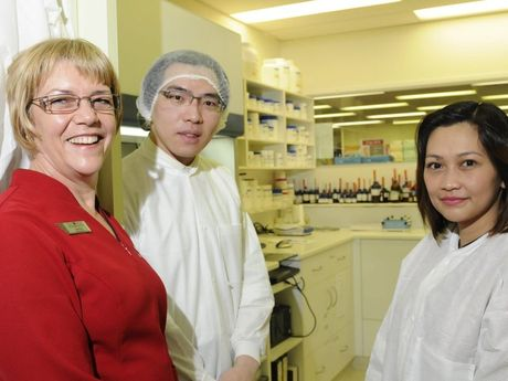 Scott Street Pharmacy compounding service, located in the Medici Medical Centre the pharmacy is the only place in Toowoomba that has technicans and chemists to make pharmeceutical drugs. Pharmacist Sonja Venzke with compounding technicians Wayne Lei and Joan Dorado.