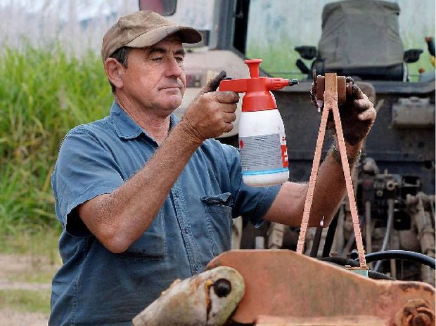 Cane farmer Ron Gurnett is worried about his farm, given Wilmar Sugar's decision to withdraw from QSL.