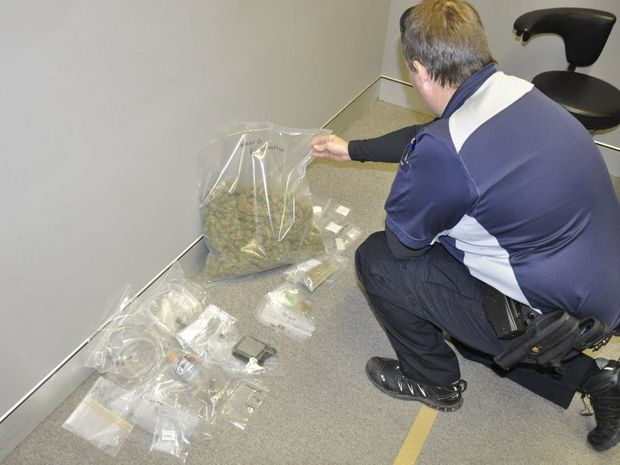 Drugs seized as part of Raid on a darling heights address.