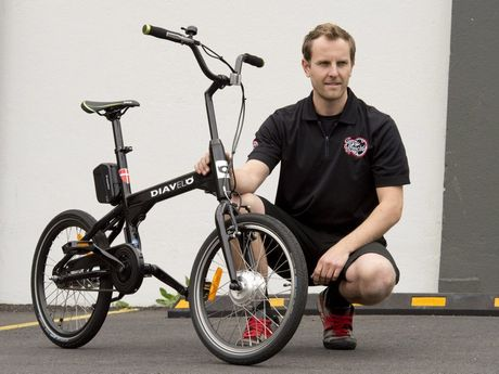 Shaun Belling from Jonny Sprockets with a Diavelo electric bicycle .