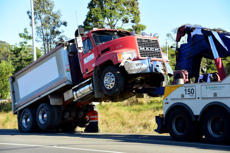 A truck crash forced traffic lights to knock over on Steve Irwin Way.
