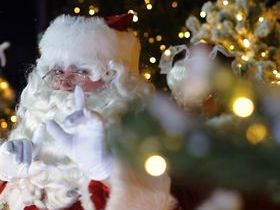 Santa Claus arrives in Mackay
