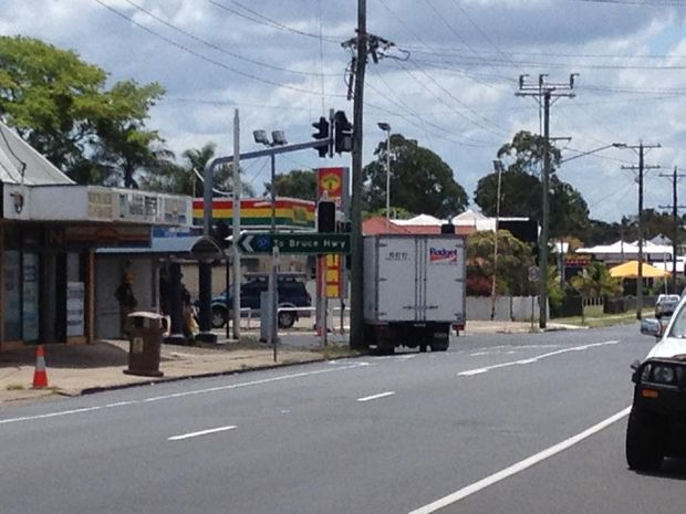 A rental truck has hit a power pole on the corner of Walker and Ferry Sts in Maryborough.
