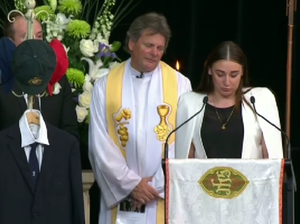 Sister delivers eulogy for Phillip Hughes