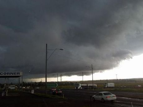 The storm that hit Oakey this afternoon, taken from just east of the town by @ErienneLette.