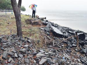 Rebuiding rockwall at Scarness