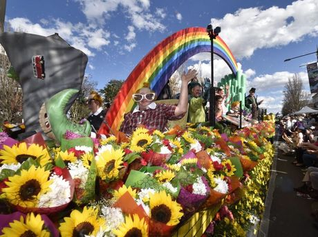 Carnival of Flowers 2014: The Woolworths float in the Grand Central Floral Parade.