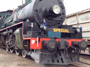 2015 Anzac Troop Train leaves Winton