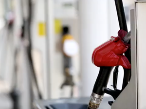Fuel saving myths - the truth about driving tips