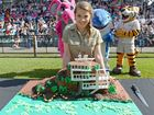 Bindi Irwin stops for selfies for her 17th birthday bash