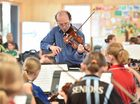 Violin workshop with Adrian Keating with local string students at Kawungan State School. Photo: Alistair Brightman / Fraser Coast Chronicle
