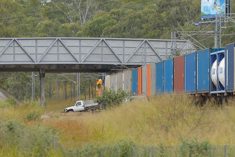 3 hour Police persuit stopes train as stolen 4WD gets stuck on track and offenders flee. Photo Mike Richards / The Observer