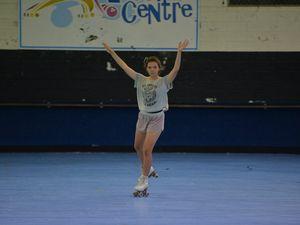 Artistic roller skating performance