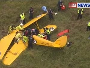 Tiger Moth crashes, killing passenger