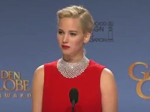 Jennifer Lawrence scolds reporter for looking at his phone