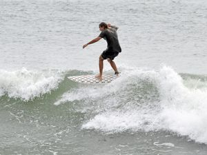 Fishing, surfing and beach guide for Monday, January 25