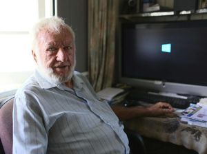 Frank tells Telstra it would be faster to fix it himself