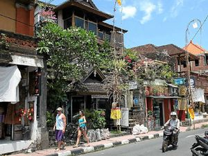 Ubud CBD a busy exotic place.