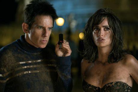 Ben Stiller and Penelope Cruz in a scene from the movie Zoolander 2.