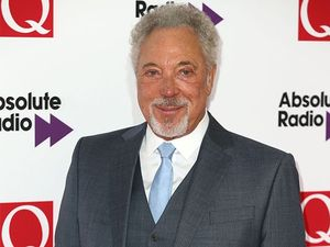 Tom Jones is 'back in form' following his wife's death
