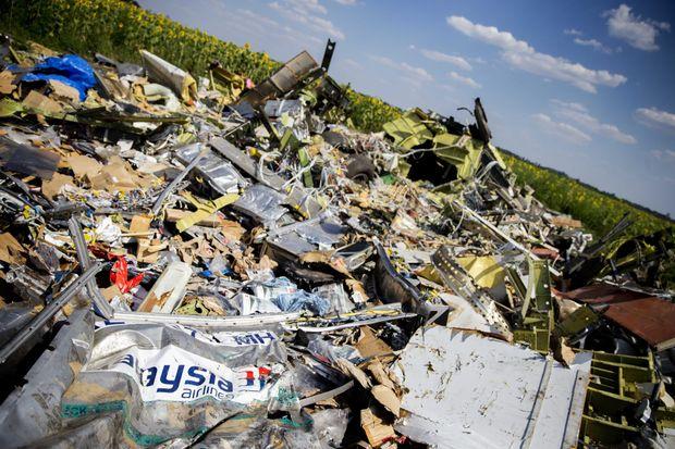 malaysia airlines crash debris - photo #10