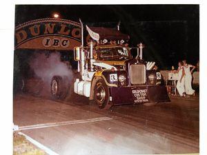 Bill Gordon's Mack truck shows its champion race form.