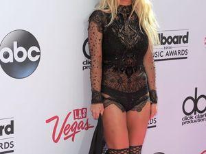 GALLERY: Taylor Swift, Drake to win at Billboard awards
