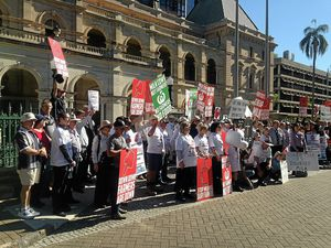 'Now are you listening?' Dairy farmers protest govt neglect