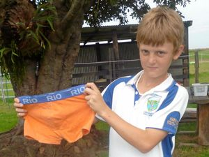 Underwear giant rewards boys for quick thinking