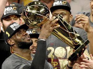 LeBron helps Cavs end city's title drought