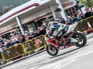 Sunshine Coast TT-style bike race hits some early bumps
