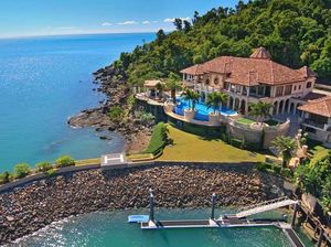 Mandalay House sits in a prime location across the bay from Airlie Beach.