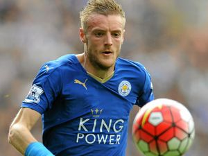 Vardy set to remain with Leicester