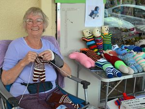 Knitting warmth for the elderly