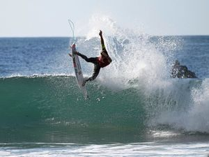 Julian Wilson on fire in J-Bay Open in South Africa
