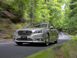Road test review Subaru Liberty 3.6 R