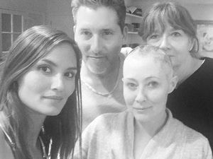 Shannen Doherty shaves hair during cancer battle
