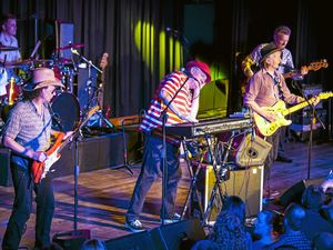 Mental As Anything joins with Spy v Spy