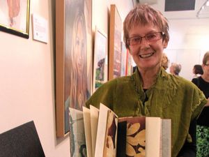 Artist wins CQU award for second time