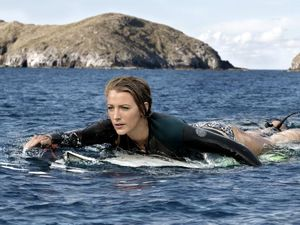 MOVIE REVIEW: The Shallows delivers what it promises