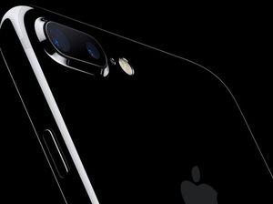 Apple Launches iPhone 7