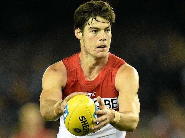 Sydney Swans player George Hewett looks for a teammate.