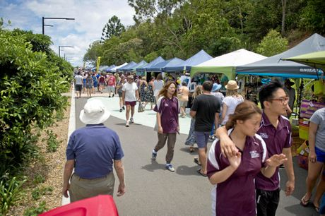 Hundreds gather along East Shores at Gladstone's First Feast on East. Photo Paul Braven / The Observer