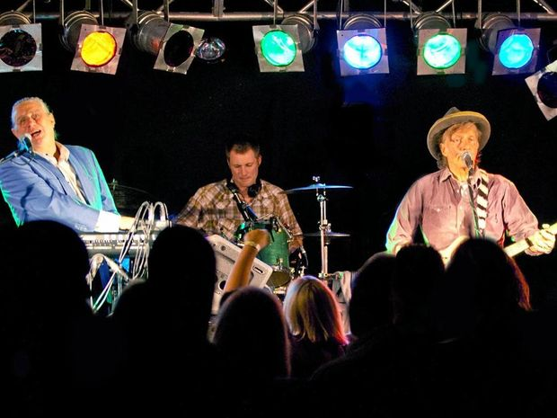 COMING TO CALOUNDRA: Mental As Anything.